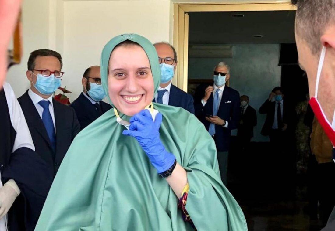 Silvia Romano sorride